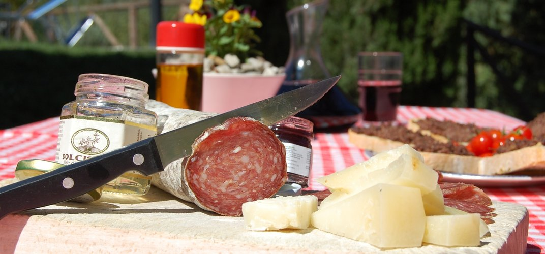 Traditional foods of Tuscany