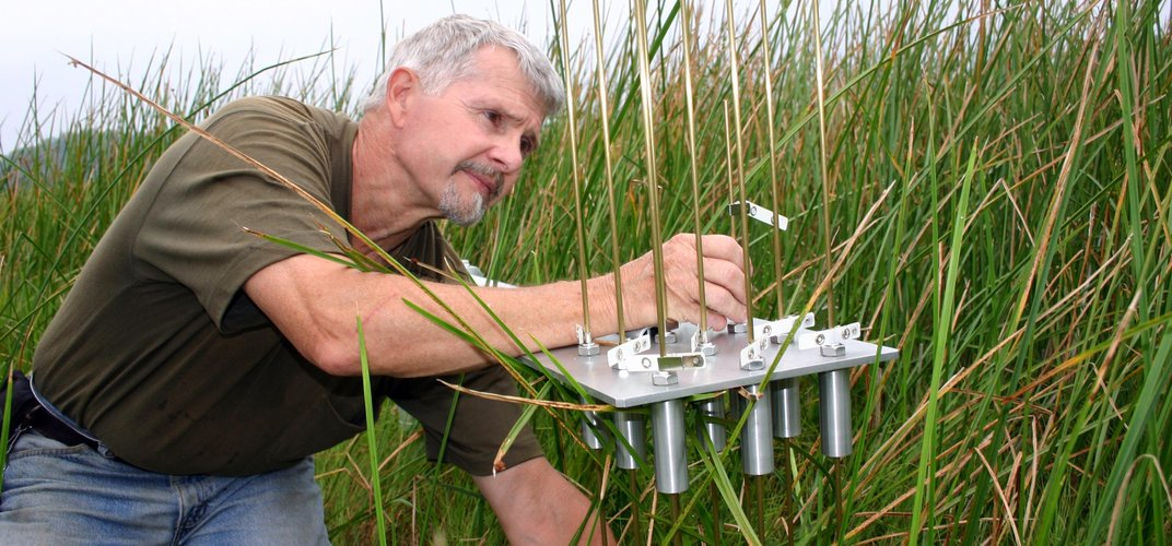 Scientist at work at the Smithsonian Environmental Research Center. Credit: Jim Duls