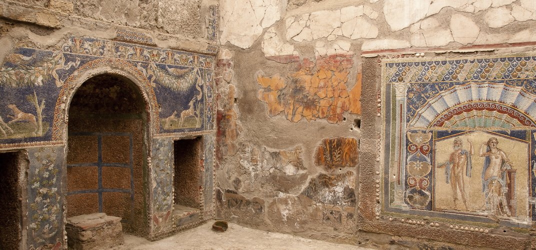 Room in Herculaneum with fresco decoration