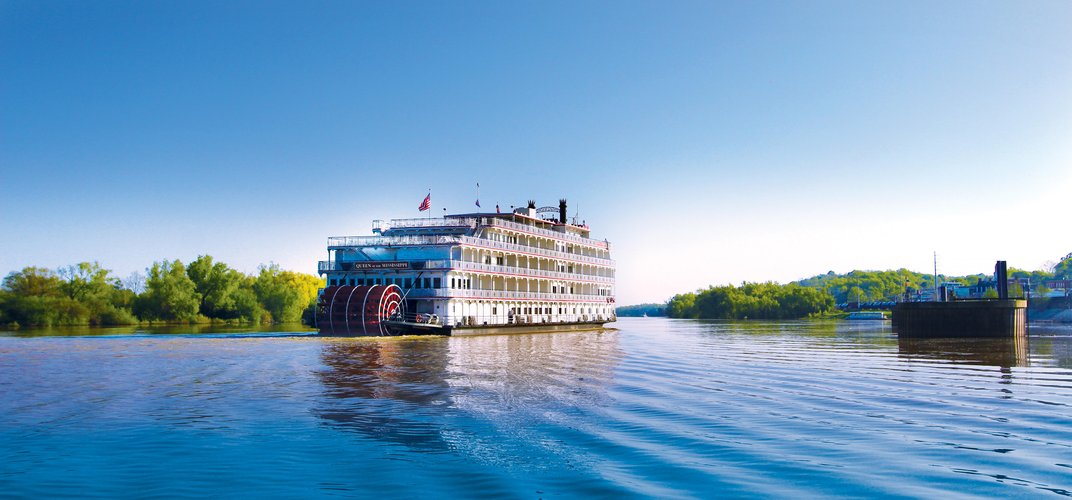 <i>Queen of the Mississippi</i> cruising the legendary river