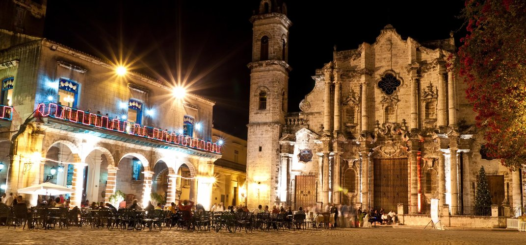 Cathedral Square in the evening, Havana