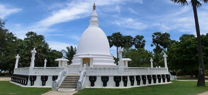 Tailor-Made Travel to Sri Lanka <p>Though tiny compared to neighboring India, Sri Lanka still packs plenty in. Discover Sri Lanka&#39;s vibrant cities, gorgeous landscapes and rich culture on a carefully crafted tailor-made journey.</p>