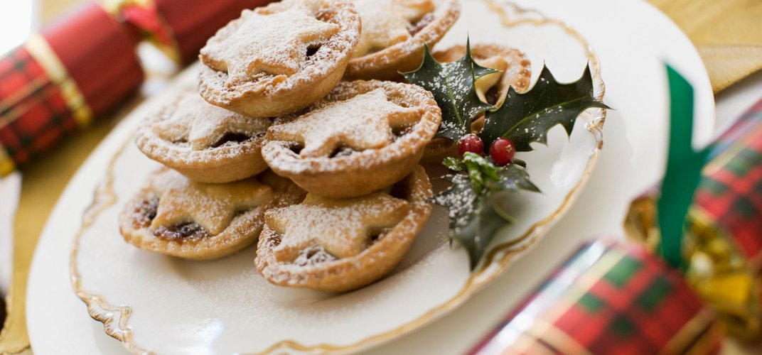 Traditional mince pies and Christmas crackers